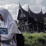 """""""Ameh Alah Manjadi Loyang"""" Potret Pendidikan di Ranah Minang: Sebuah Identifikasi"""