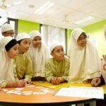 Menjaga Agama di Akhir Zaman dengan Mendukung Anggota Keluarga Belajar Agama